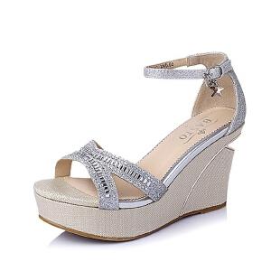 BASTO/百思图夏季专柜同款亮片布坡跟女凉鞋TG507BL6
