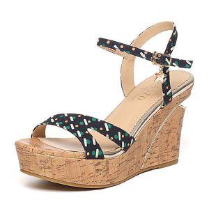 BASTO/百思图夏季印花布时尚坡跟女凉鞋TG509BL6